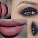 Smokey eyes nude lips