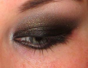 brown/gold smokey