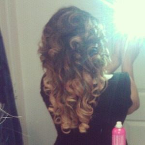 Curly Ombre Look