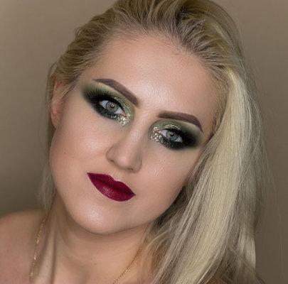 Stacey MakeUp D.