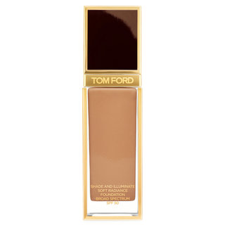 Shade & Illuminate Soft Radiance Foundation SPF 50 9.5 Warm Almond