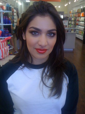 Planet Beauty Makeup class Client facebook.com/makeupbyshanilton