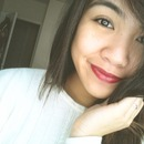 simple red lips