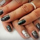 Pretty Black and Silver Manicure