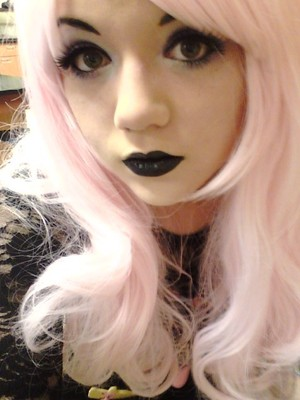 Gothy pastelly look. Fantasy Makers black lipstick Sugarpill Loose Eyeshadow in Paperdoll Sugarpill Loose Eyeshadow in Lumi