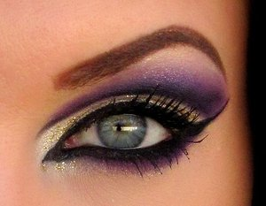 Purple and gold cut crease closeup