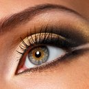 Great look for people with brown/blue eyes.
