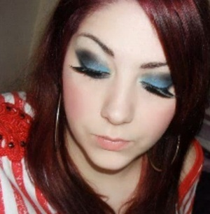 My Bold In Blue makeup look using NYX =]