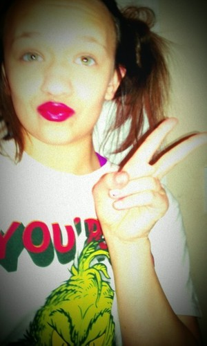 Red lips are a must!