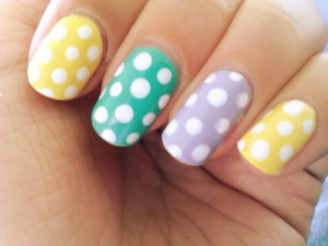 Easy nails, with a dotting tool.