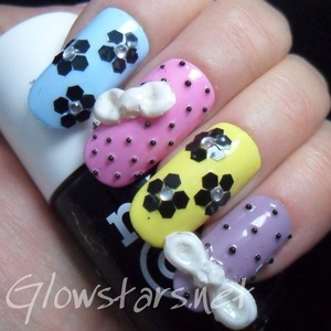 For more pics of this mani and more nail art visit http://Glowstars.net
