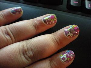 Nails: Sally Hansen Nail Effects in Girl Flower