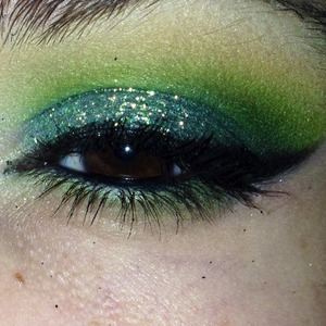 """Glitter is from Coastal Scents. It's called """"Mermaid"""". Shadows are from bhCosmetics 120 Eyeshadow Pallet First Edition :)"""
