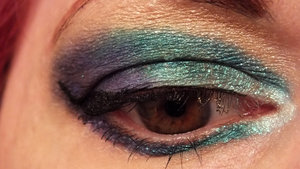 Inner to outer eyes: Sugarpill Lumi, Darling, Faerie Glamour (Fyrinnae instead of SP), Elemental Chaos.