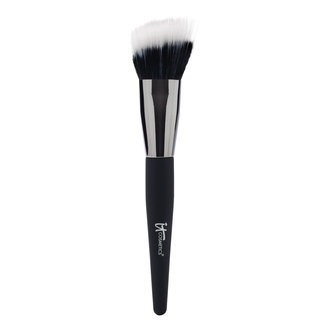 IT Cosmetics  Angled Radiance Crème Brush