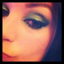 Green glitter eyes