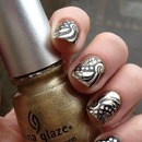 Gold And Black Nails