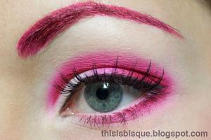 Tutorial: http://thisisbisque.blogspot.ca/2012/01/not-for-faint-of-heart-makeup-tutorial.html