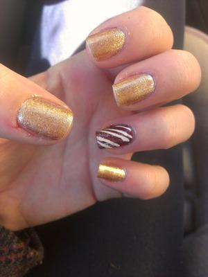 Love doing holiday nails!