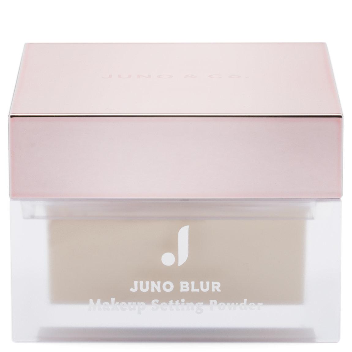 JUNO & Co. Juno Blur Makeup Setting Powder - Brightening product swatch.
