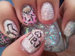 freehand glitter gel nails