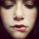 bite the lip 😘