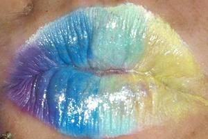 purpleblueaquagold lips