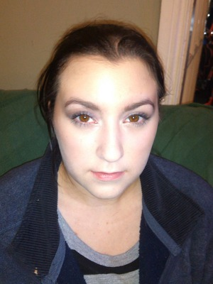 Did my sister's make-up, simple day time make-up with basic contouring