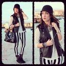 Black-White Stripe Leggings