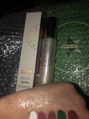 Photo of product included with review by Hollye R.
