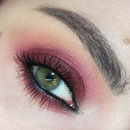 Grunge Smoky eyes - Marsala Pantone colour 2015