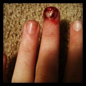 haha, a ripped (fake) nail makeup