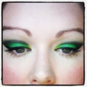 This look is inspired by my awesome Kermit the Frog Muppet Show shirt :)