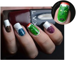 Grinch nails for Christmas! http://www.xoxoalexisleigh.com/2012/12/12docc-green.html