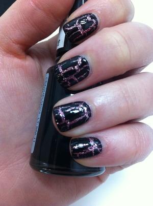 #17 - glitter nais  under crackle.