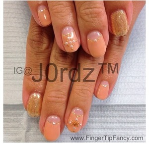 DETAILS FOR THIS DESIGN HERE: http://fingertipfancy.com/nude-gold-nails