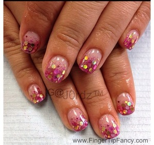 FOR DETAILS CLICK BELOW: http://fingertipfancy.com/pink-rainbow-gold-hologram-nails