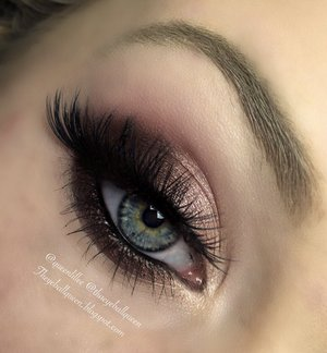 As most of you know, I steer clear of pinks, or even plums for that matter. Today however I was going through my pallets and realized I have more pink shadows than blue and purple put together!  As a result, I created this smokey holiday eye.  For full details, and a thorough explanation visit my blog!  http://theyeballqueen.blogspot.com/2015/12/cranberry-holiday-makeup-tutorial.html