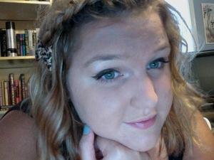 Blonde hair and a sick tan. Summer fresh