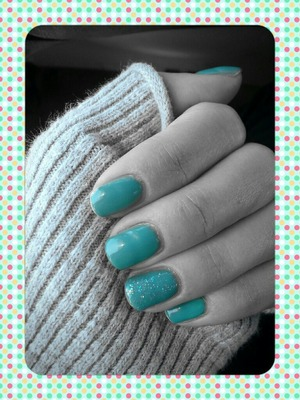 Green NYC Polish with a little sparkle (sorry they are a week old so not in best condition!) :)
