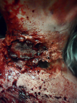 EXTREME SPECIAL EFFECTS MAKEUP Commando Zombie - Neck Trauma