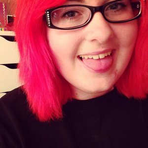 So I decided to dye my hair bright red. I've had this color before. And I totally love it! :)