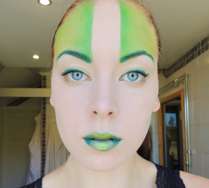 http://carrosbeauty.com/2012/august/green-with-envy.html