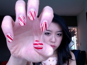 candy cane nails and smokey eyes for christmas