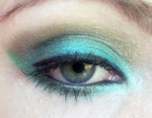 Mermaid-inspired look using Sugarpill Midori, Afterparty, Goldilux, Junebug, and Lumi.