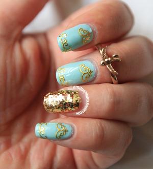 http://littlebeautybagcta.blogspot.com/2013/07/vintage-mint-nails.html