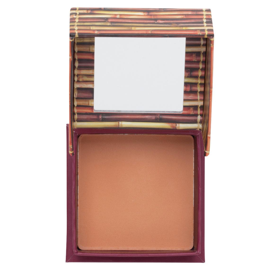 Benefit Cosmetics Hoola Matte Bronzer Original - Medium product swatch.