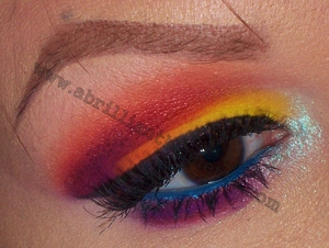 http://www.abrilliantbrunette.com/2012/01/sugarpill-rainbow-eye.html