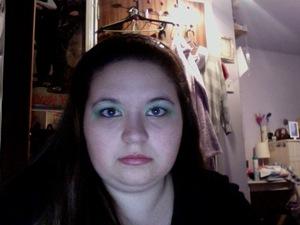 Accessorise Icon Eyeshadow 5 - Mermaid M.A.C - Lucky Green Stila Smudgestick - Stingray Benefit Bad Gal Lash Revlon Renewist - 100 Full Blush