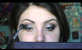Easy Silver Smokey Eye for Prom - Tutorial
